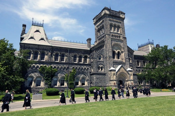 Những điều bạn nên biết về du học sau đại học tại Canada 2020